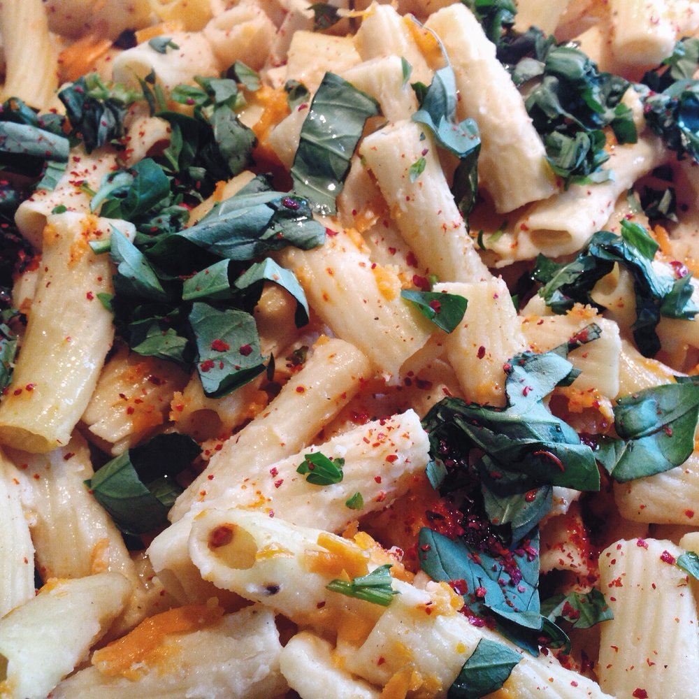 MAC NO CHEESE WITH CHILLI AND BASIL