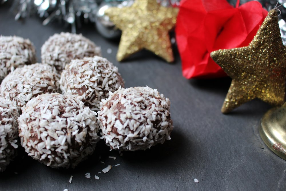 COCOA AND COCONUT ROLLED TRUFFLES