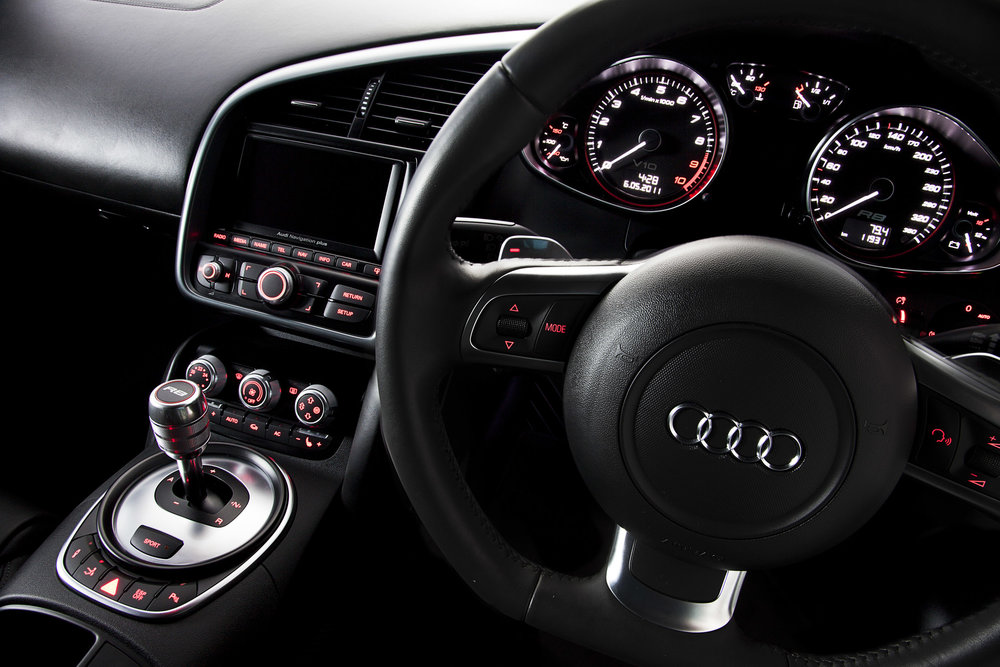 Audir8_interior_2.JPG