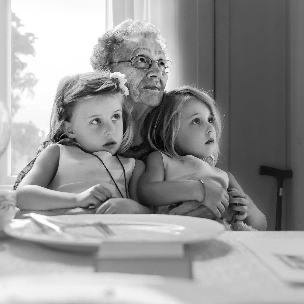 På oldemors fang