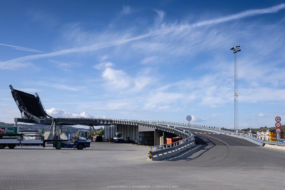 Larvik Havn. Her begynner veien til kontinentet!
