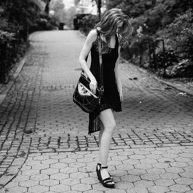"New York Model @hillaryh2o wearing our ""Corina"" bag in NYC. Photographer:  Kara Beth Nixon.  @kbdawg  #Handbagspy #handbagcom #Handbag #Fabulous #NYFW #MBFW #bag #purse #accessory #accessories #swag #armcandy #nyc #welldressed #style #trend #leather #italian #italianleather #shop #musthave #FW1516 #Fall #Winter #luxury #stylish #fashion #3seven8 #3s8"