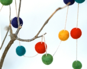 felted garland.jpg