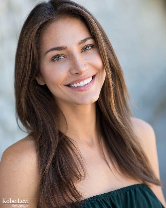 Raquel Headshot LA.jpg