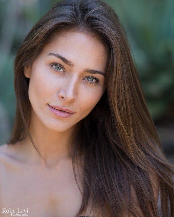 Raquel Santolaya Headshot.jpg