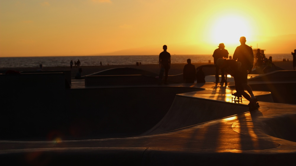 so-gnar_mitch schmidt_pat milbery photo_venice beach_skatepark.jpg