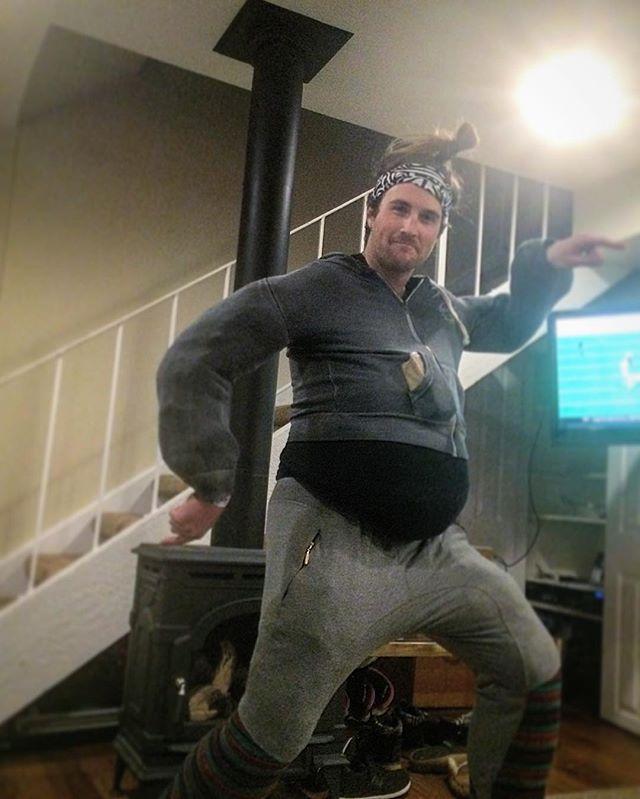 Fat guy in a little coat 👹