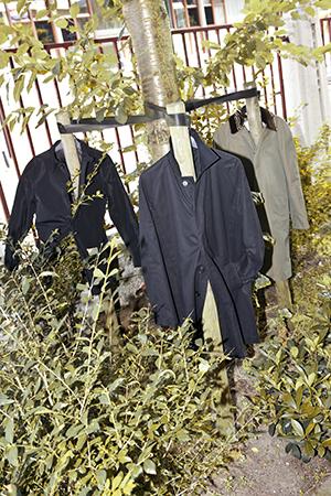 raincoatsBergenHenegouwenBroring.jpg