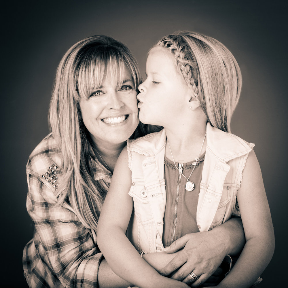 mommy-daughter-portrait-denver-colorado.jpg