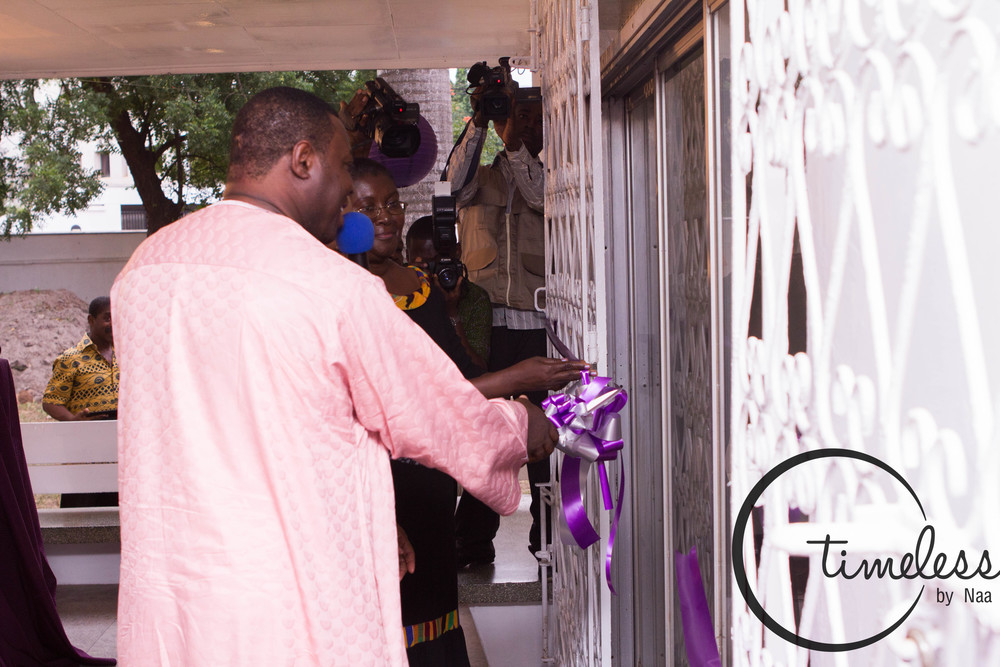 Cutting of ribbon to the Genius Hive