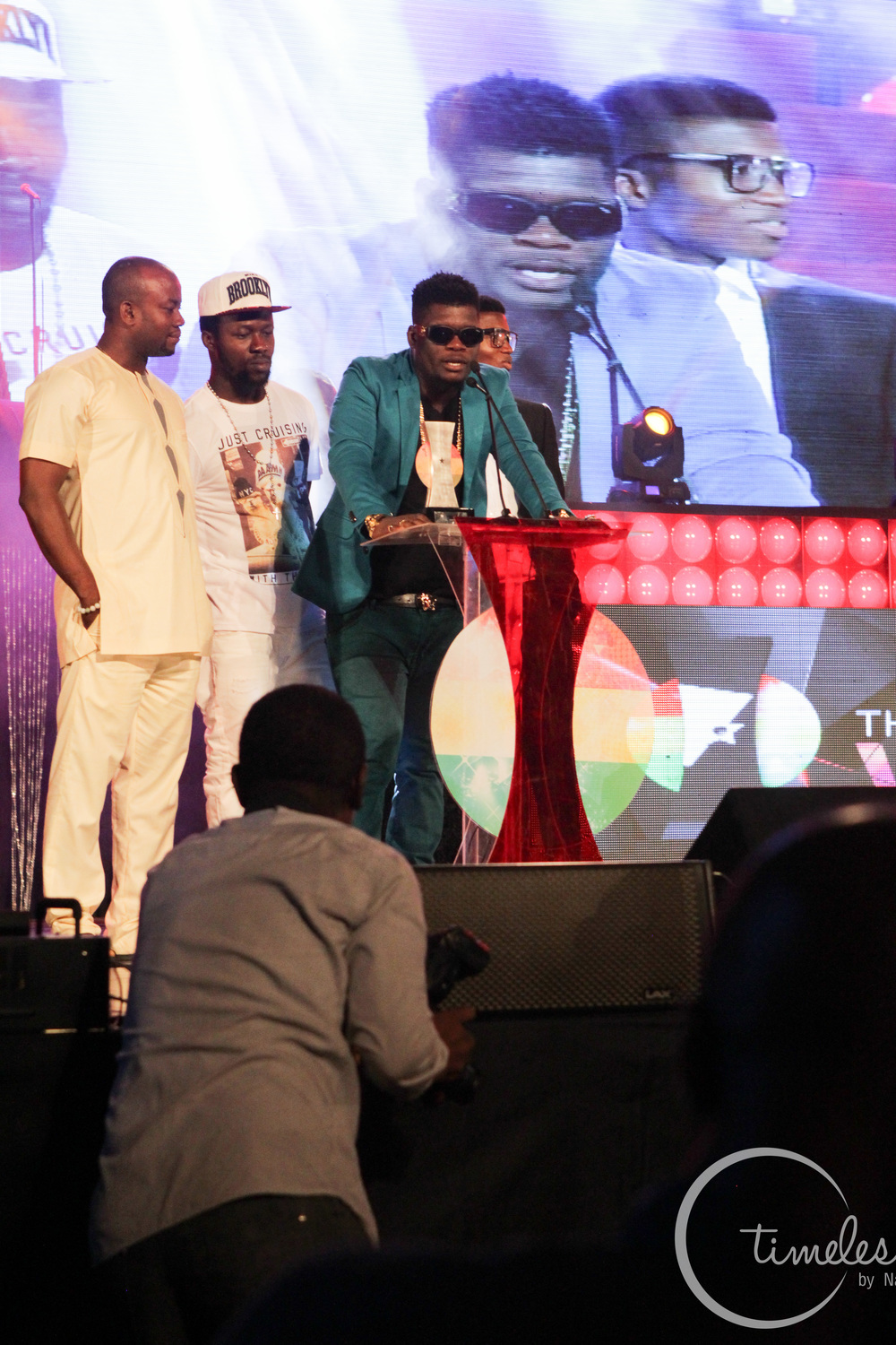 Castro receiving his award at Vodafone Music Awards 2014
