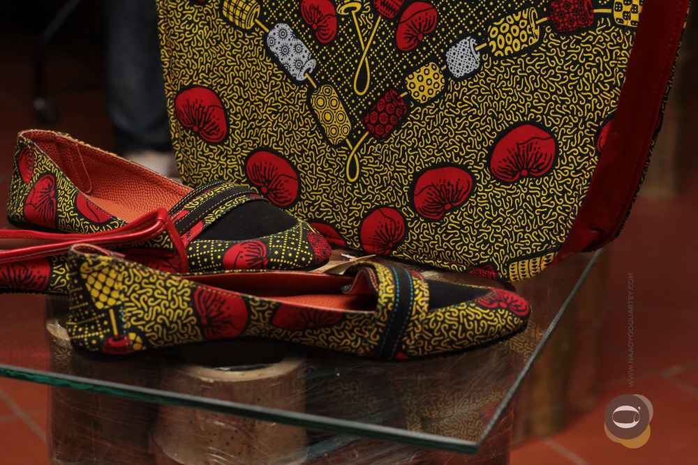 A matching pair of African print shoes and bag