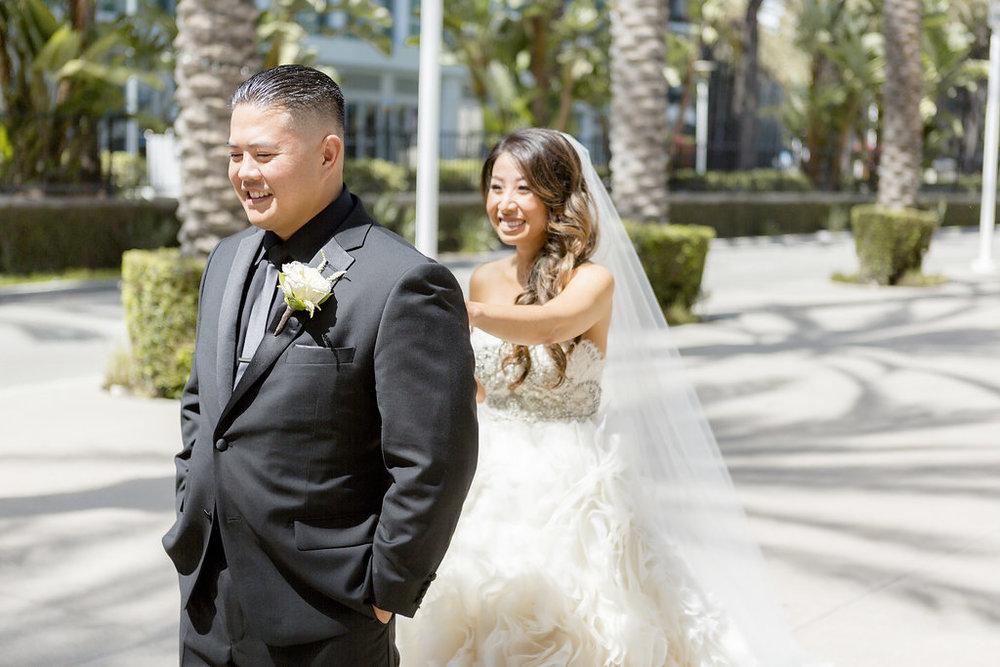 bride_groom_firstlook_0014.jpg