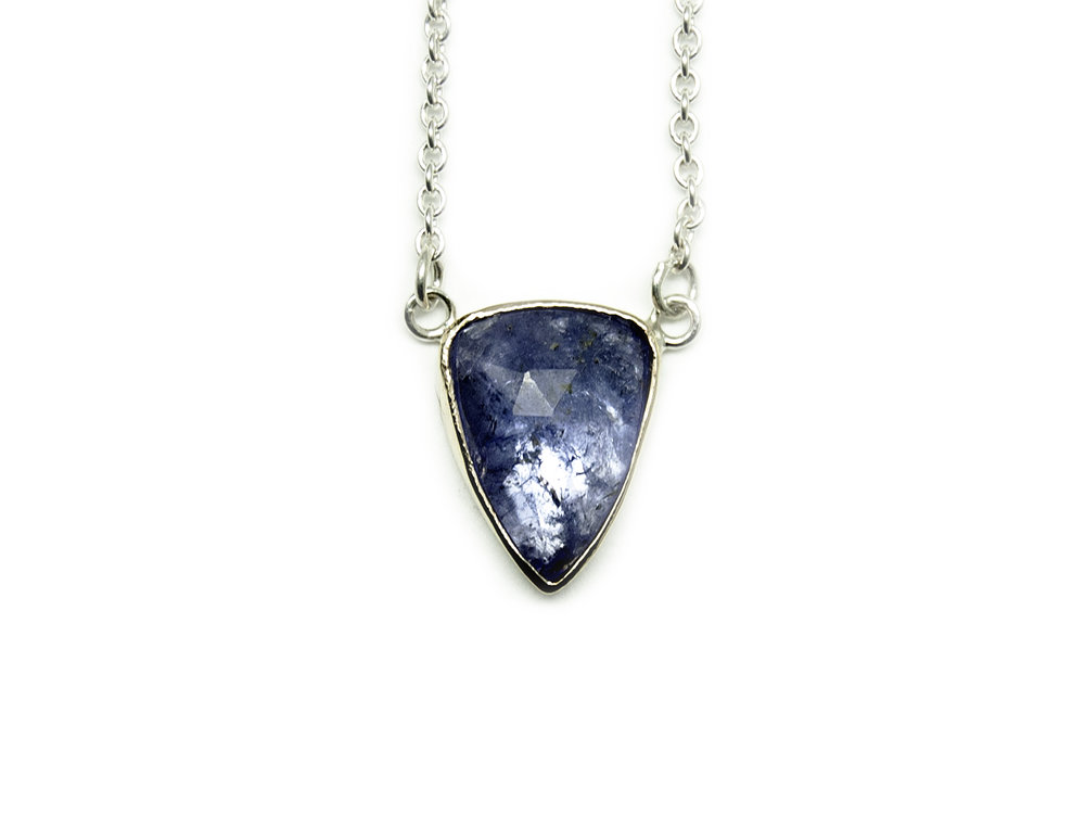 tanzanite.ss.yg.necklace101.jpg