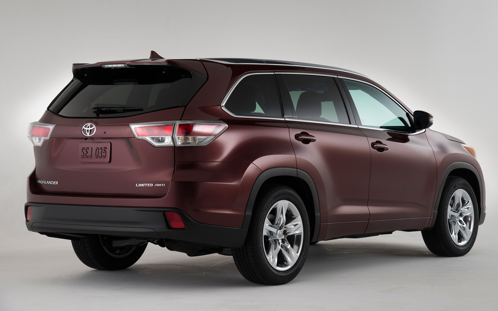 2014-Toyota-Highlander-rear.jpg