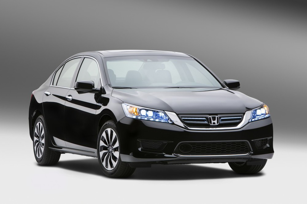 2014-honda-accord-hybrid_100430942_l.jpg