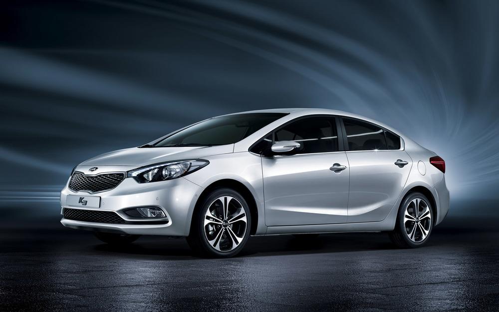 2014-Kia-Forte-sedan-front-three-quarter.jpg