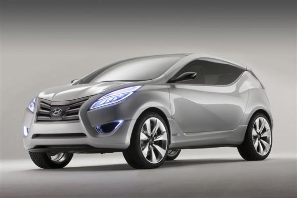 2009-Hyundai-HD-11-Nuvis-Front-Side-590x393 (1).jpg