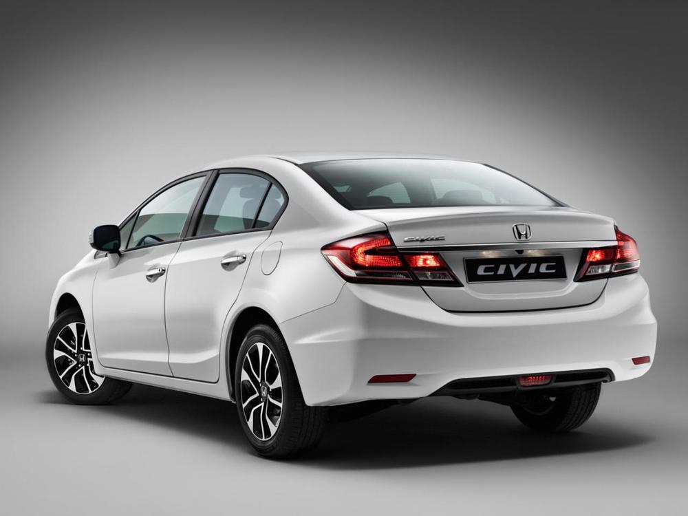 2014-Honda-Civic-Limousine-Heck.jpg