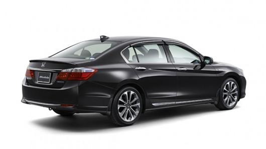 2014-honda-accord-hybrid-50-mpg-epa-15.jpg