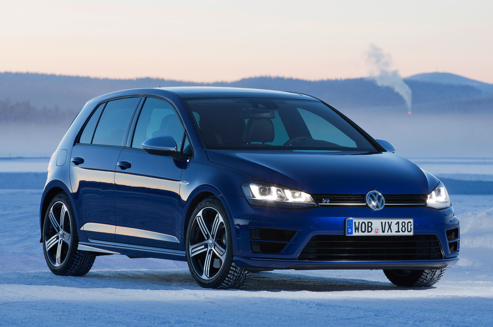 2015-volkswagen-golf-r-front-three-quarters-view-on-snow.jpg