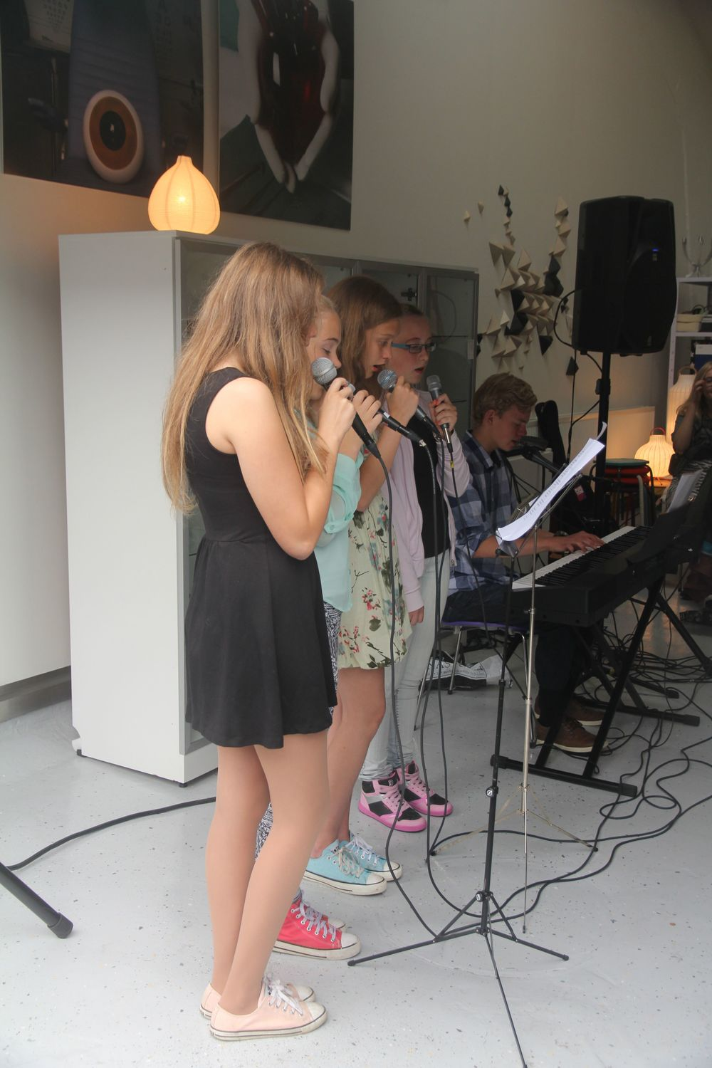 Small performace by High School girls at Menningarnótt 2013