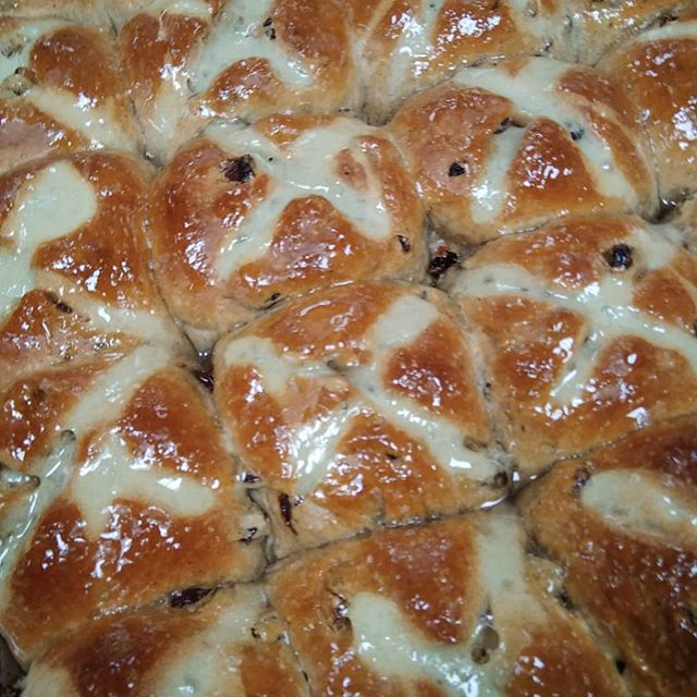 Hot cross buns #hotcrossbuns #chefshaven #easter
