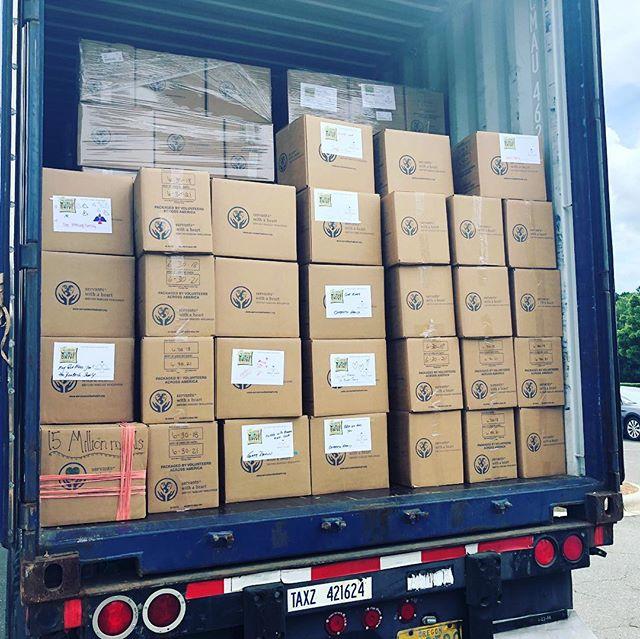 SWH Meal Number 15,000,000 headed to Haiti! Thank you @stmatthewcatholic 💚💙