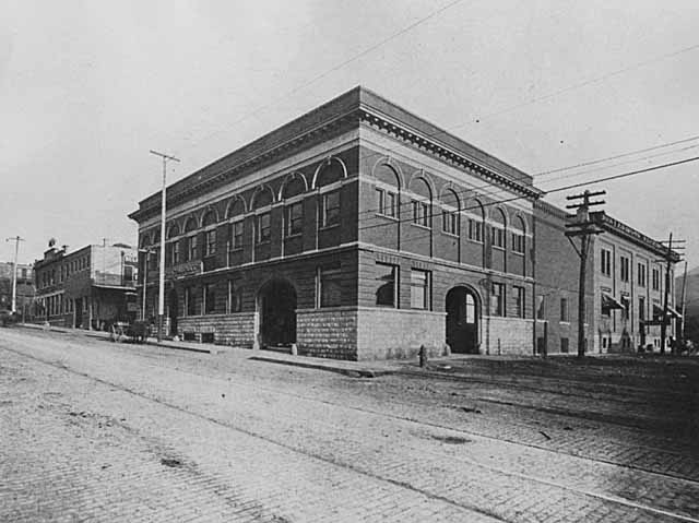 1902 ity offices of Morris, Nelson & Company, Swift & Company and Armour Packing Company, corner Broadway and Fifth Streets Lowertown.jpg