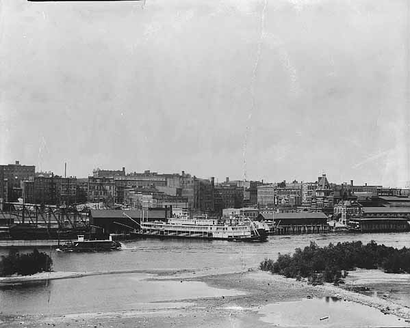 1910 St Paul Levee Lowertown Saint Paul.jpg