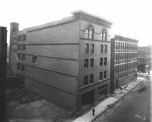 1910 T. L. Blood and Company, Paints, 413-415 Wacouta Lowertown.jpg