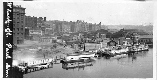 1914 St Paul Wharf at foor of Jackson Lowertown.jpg