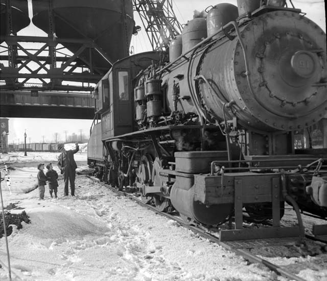 1948 Switch engine at the Great Northern Jackson Street roundhouse2 Lowertown.jpg