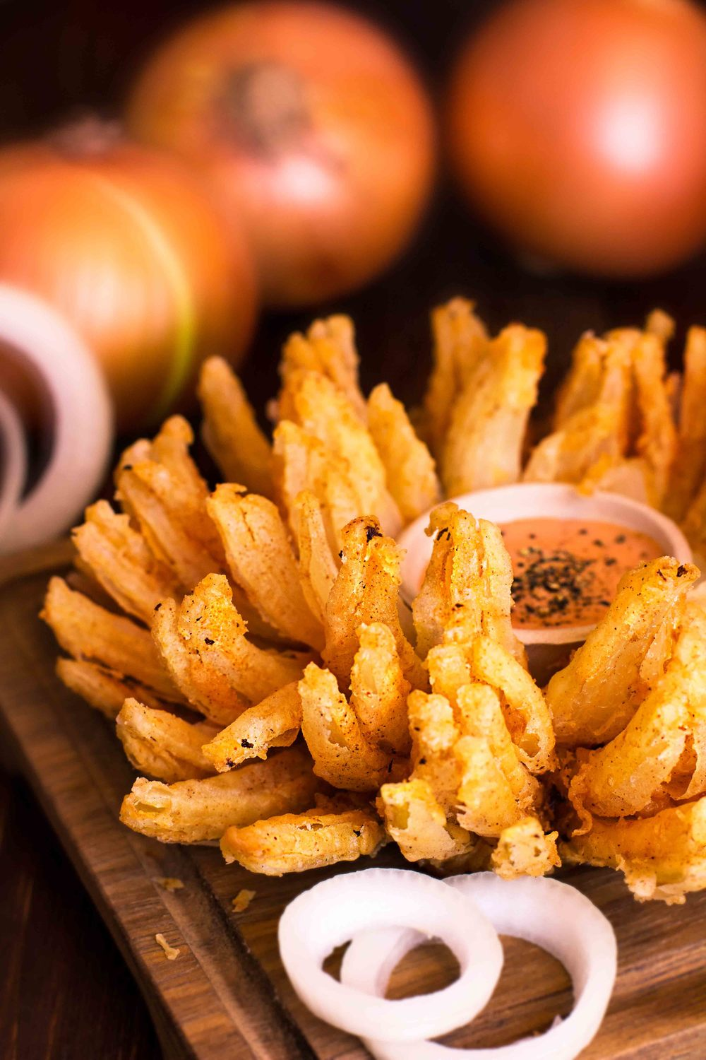 Blooming onion (ver).jpg
