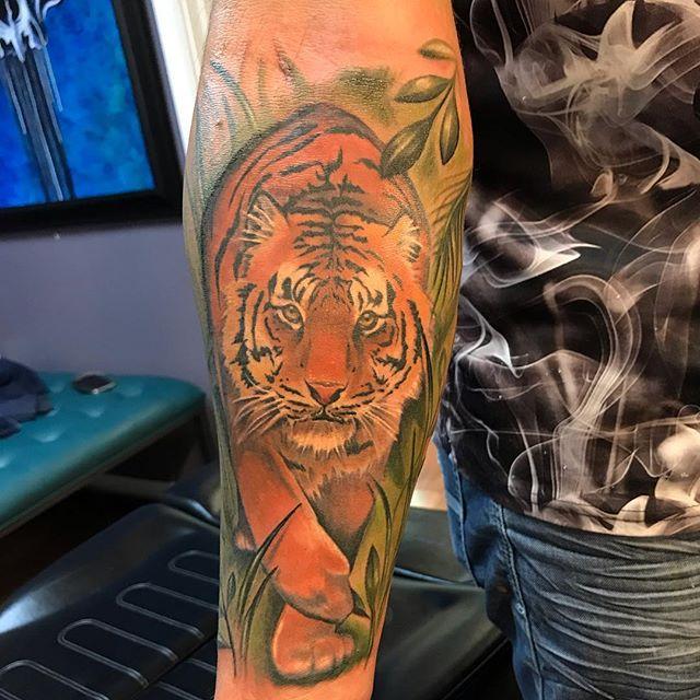 Tiger tattoo, fun with this one. Hope you like it! . • • • #tiger #tigertattoo #fusion_ink #artistsoninstagram #instattoo #colortattoos #tigre #tigretattoo #followforfollowback