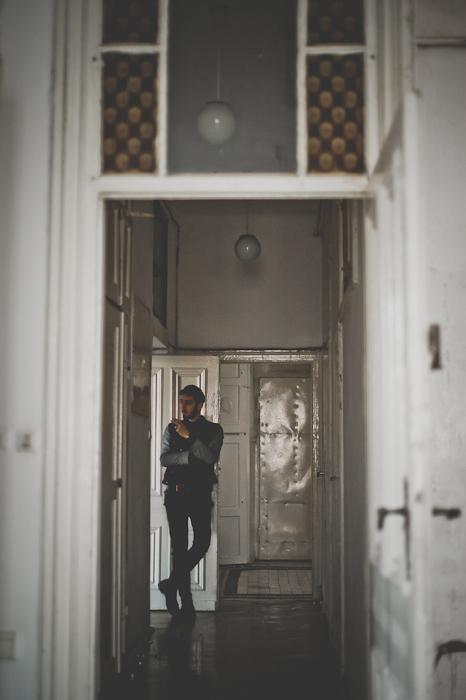 Długi korytarz, a na końcu pokój do odpoczynku dla Bartka, fot. Artur Cieślakowski dla Do You Know Fashion