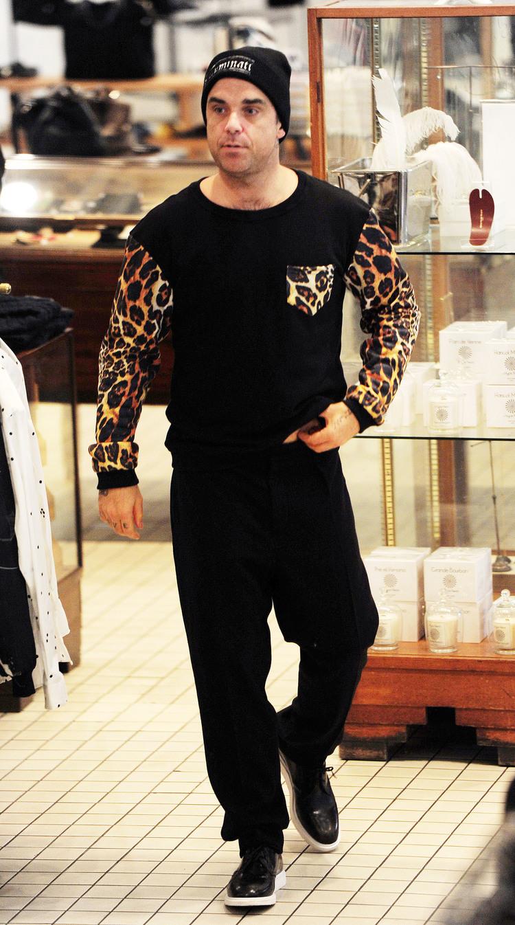 Robbie Williams w bluzie polskiej marki Aloha From Deer