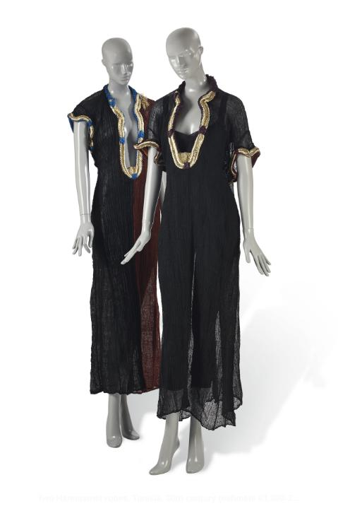 Dwie suknie Hammamet, Tunezja, XX w. 1 000-2 000 Euro/© Courtesy Condé Nast/Horst Estate