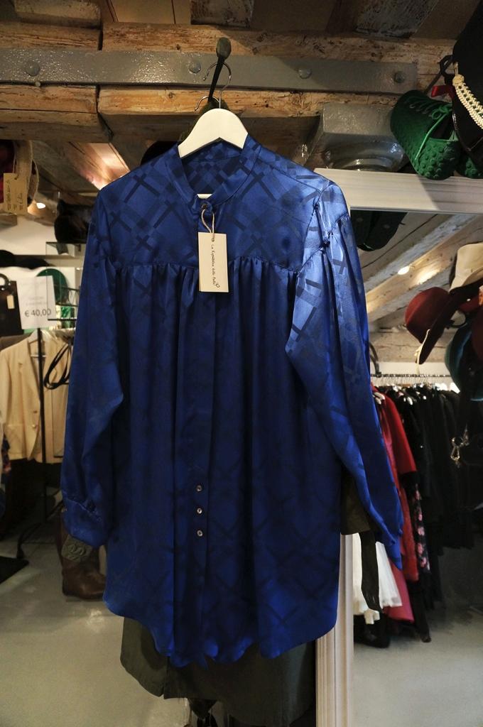 Koszula z jedwabiu vintage zaprojektowana przez Federikę