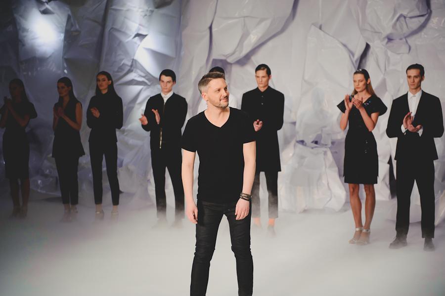 Mariusz Przybylski, finał pokazu/fot. Artur Cieślakowski dla Do You Know Fashion