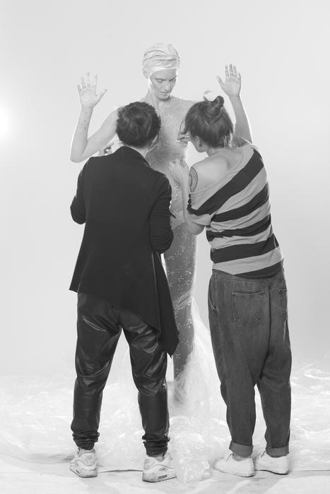 Backstage sesji: Joanna Baumgartner, Kornelia Wawrzków, Sywia Sordyl/fot. Emil Kołodziej