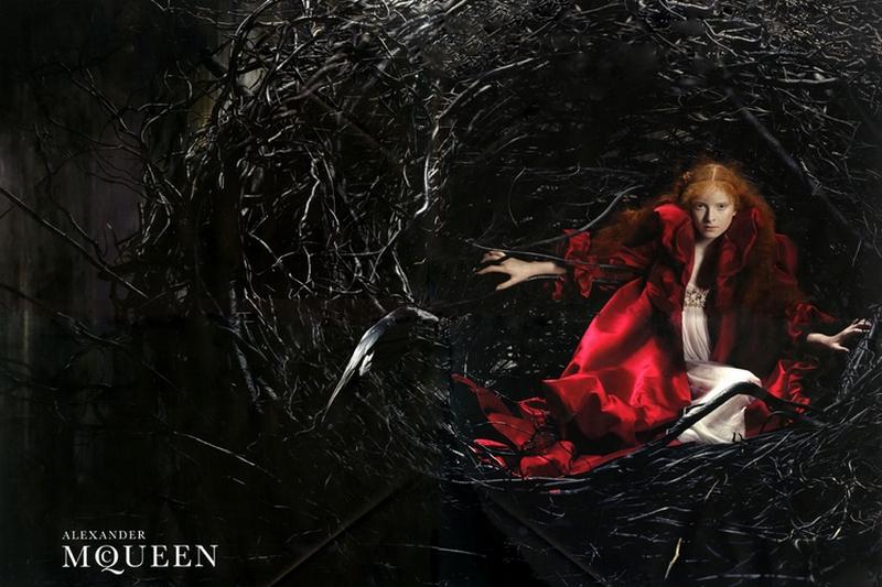 Alexander McQueen jesień-zima 2008/mat. prasowe Alexander McQueen