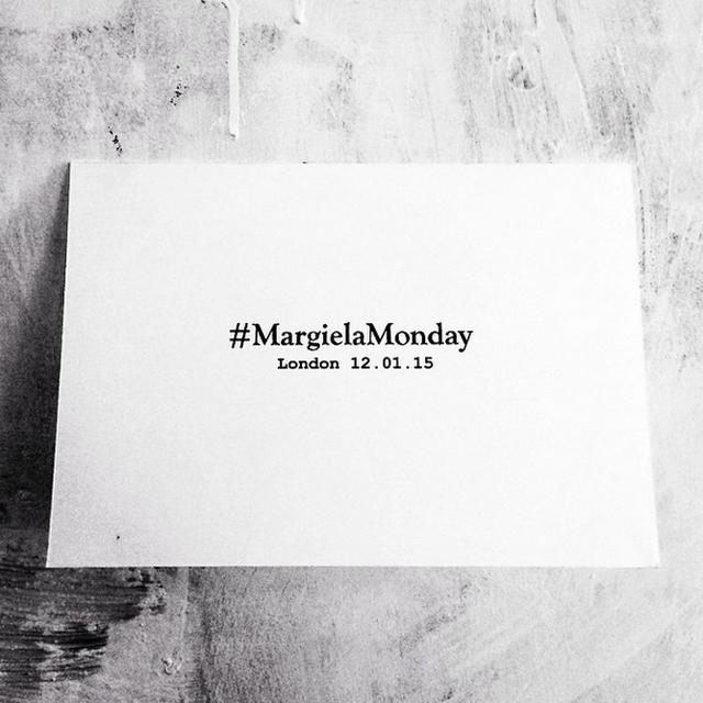 Zaproszenie na pokaz Maison Margiela - pierwszy pokaz Johna Galliano jako Dyrektora Kreatywnego/Instagram: @maisonmargiela