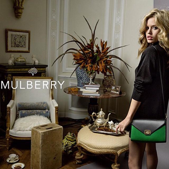 Piękna Georgia w kampanii Mulberry/Instagram: @buro247ru