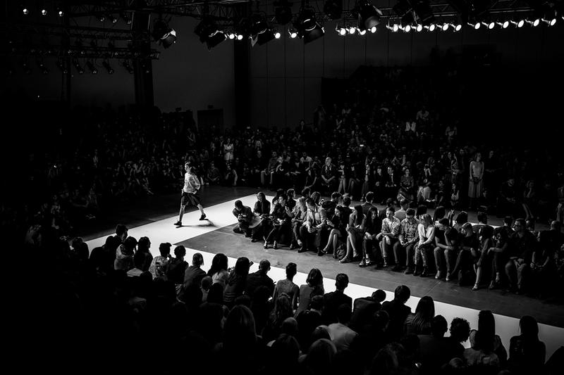 Na pokazach mody się nie klaszcze - Fashion Week Poland/fot. Maciej Stankiewicz dla DYKF