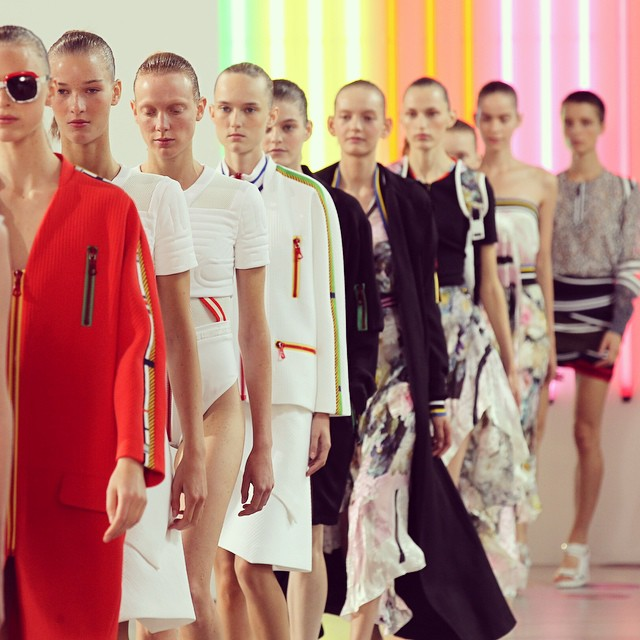 Preen by Thornton Bregazzi wiosna-lato 2015 na London Fashion Week/Instagram: @britishfashioncouncil