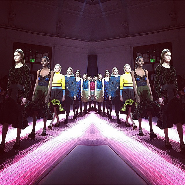 Pink catwalk!/Instagram: @marykatrantzou