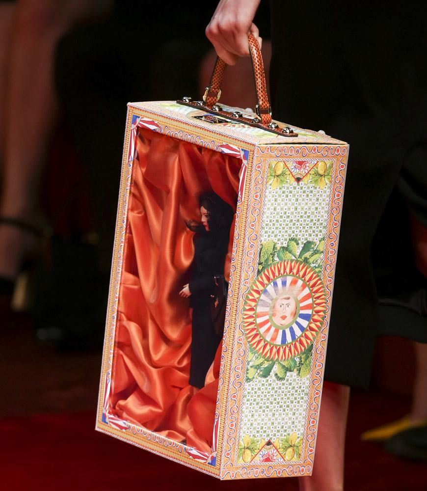 Wybiegowe akcesoria, również autorstwa Dolce&Gabbana