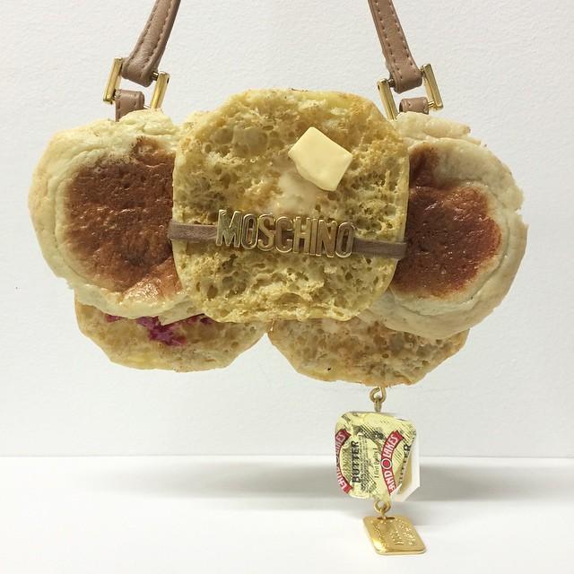 Bułka z masłem, czyli torebka od Moschino/Instagram: @chloewise_