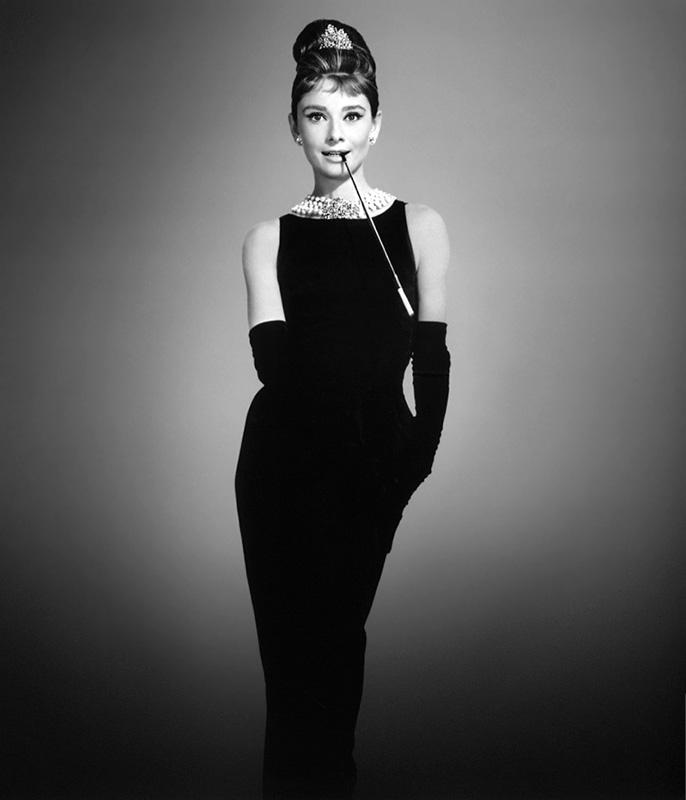Audrey Hepburn w kreacji Givenchy/fot. materiały promocyjne filmu Śniadanie u Tiffany'ego